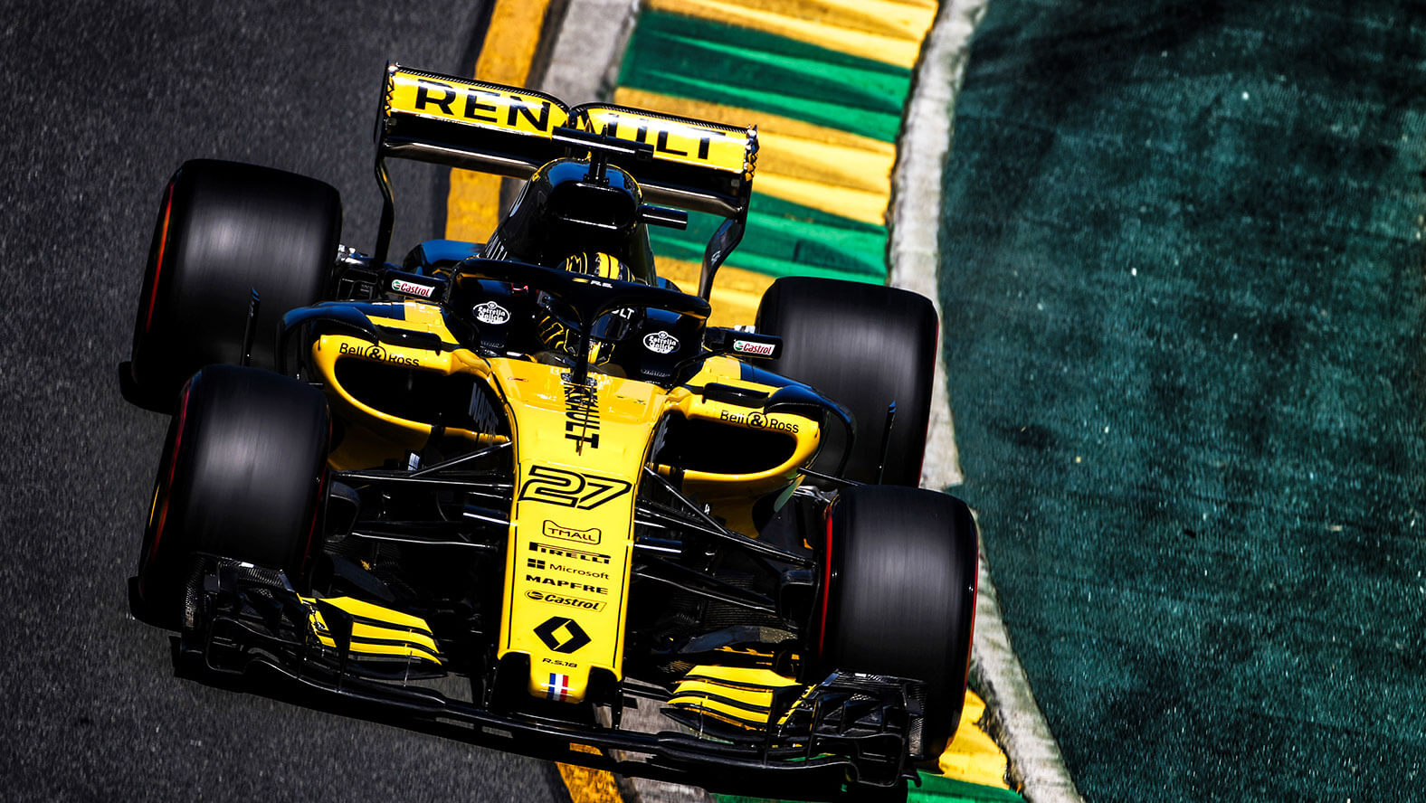 Renault Sport Formula One™ Team has relied on Roland DG for its racing car vehicle graphics.