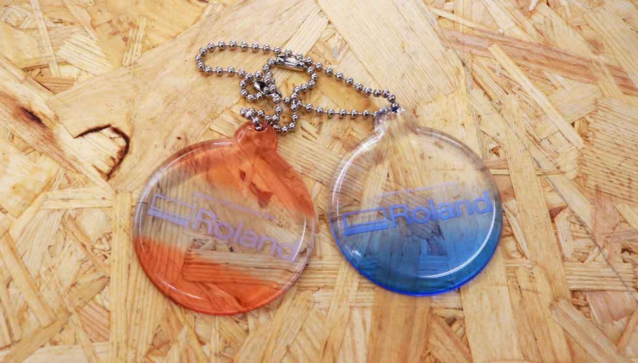 Transparent key chains can be dyed with stunning results.