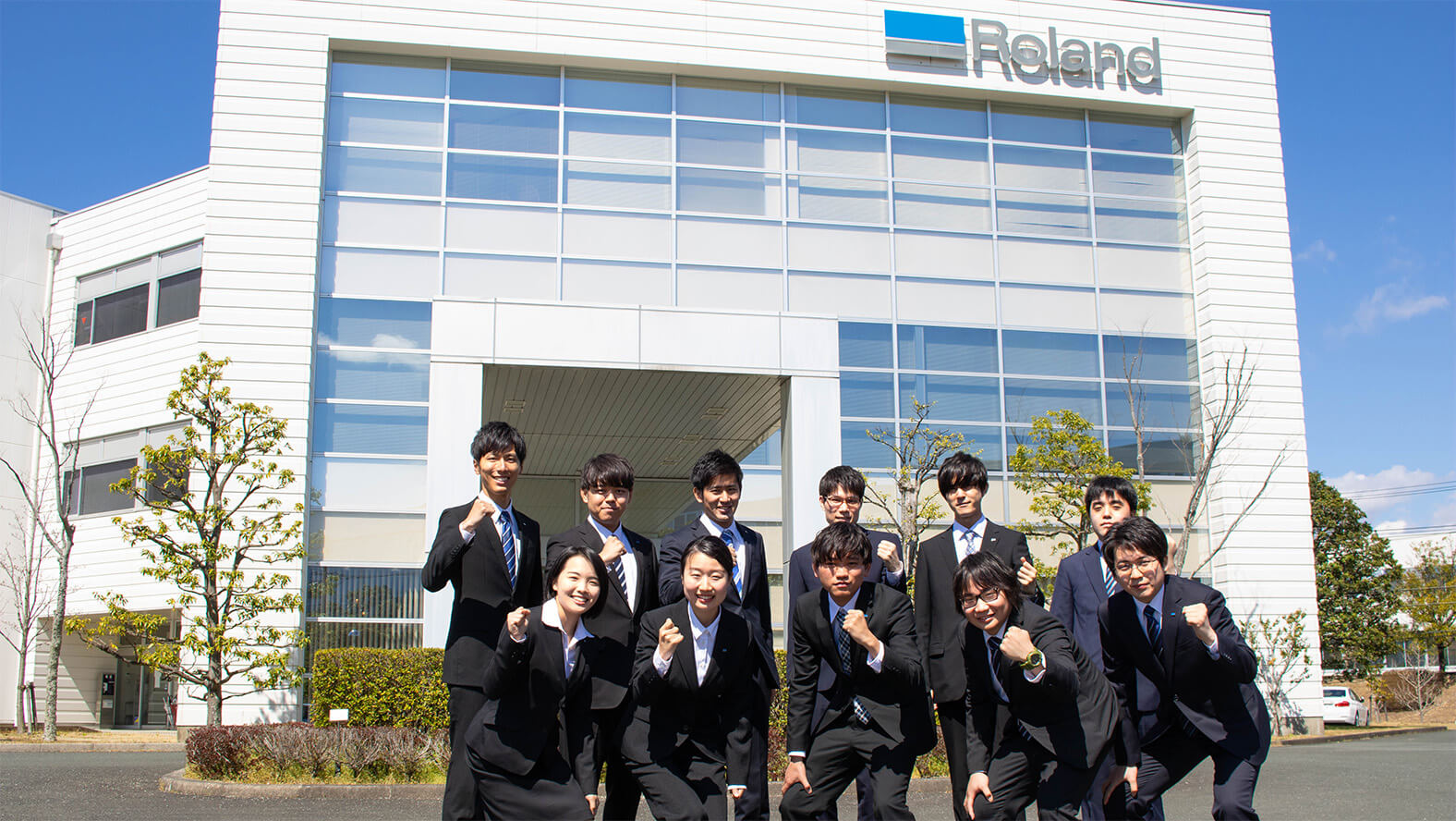 Roland DG's 11 new employees for FY2019