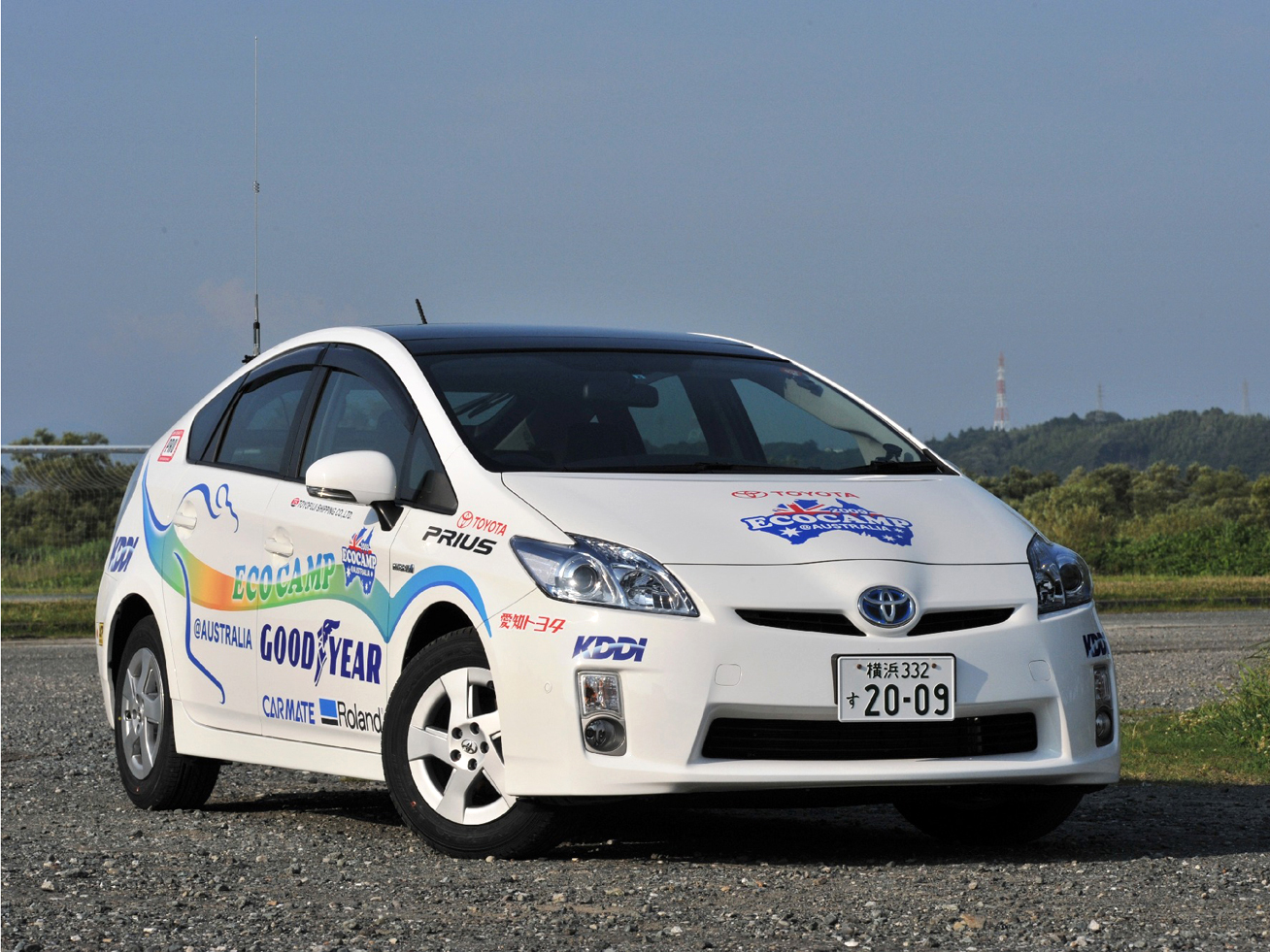 The official ECOCAMP in Australia 2009 Prius, decorated with full-color Roland graphics.