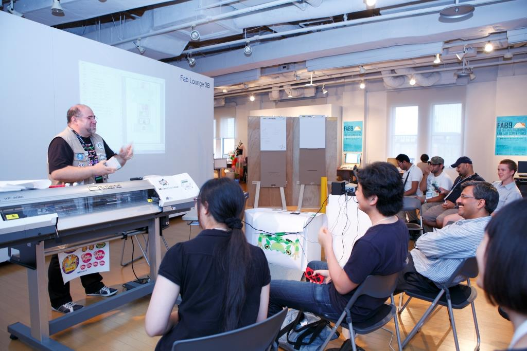 Roland DG Print&Cut Workshop at FAB9